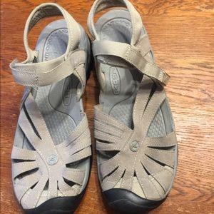 Woman's Keen Sandals